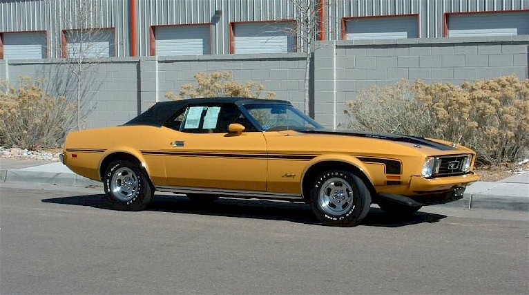 Medium Yellow Gold 1973 Ford Mustang