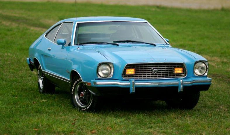 Bright Blue (Light Grabber Blue) 1974 Ford Mustang