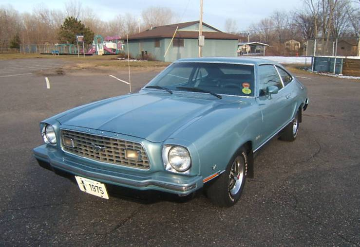 Silver Blue Glow 1975 Ford Mustang