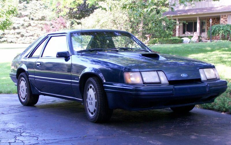 Shadow Blue 1986 Ford Mustang