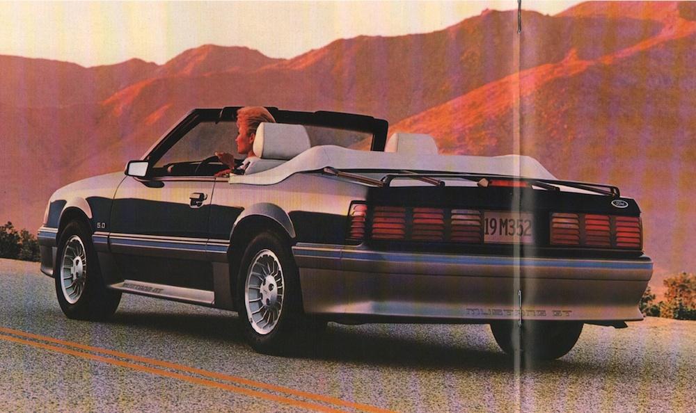 Medium Shadow Blue 1988 Ford Mustang
