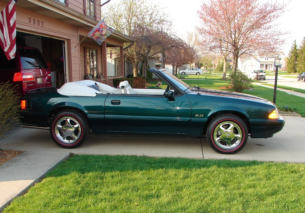 Deep Emerald Green 1990 Ford Mustang