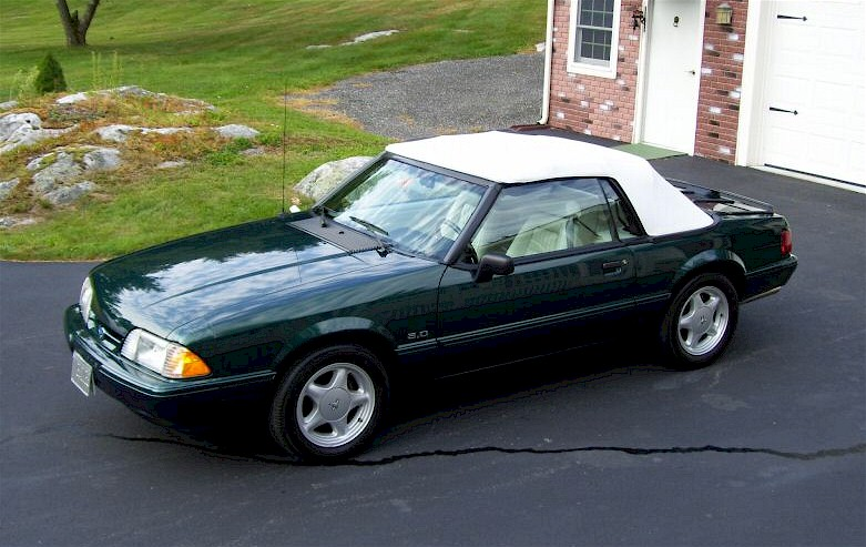 Deep Emerald Green 1992 Ford Mustang