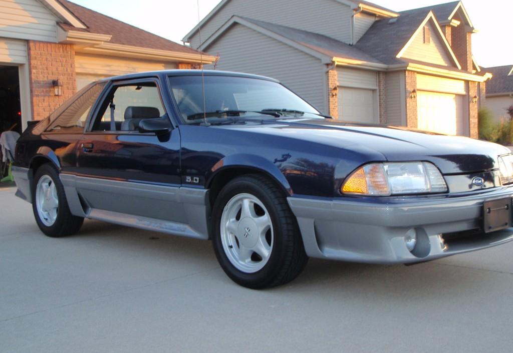 Royal Blue 1993 Ford Mustang