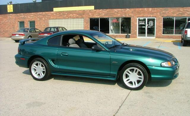 Deep Forest Green 1996 Ford Mustang