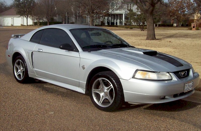 Silver 1999 Ford Mustang