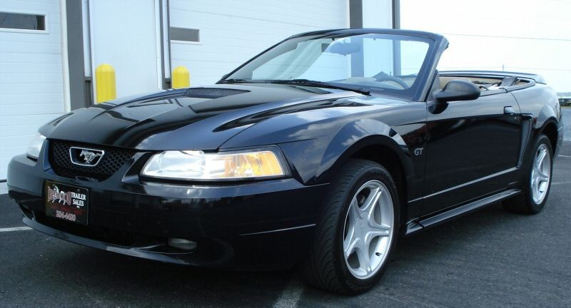 Black 2000 Ford Mustang