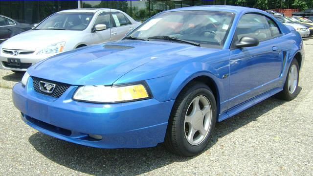 Bright Atlantic Blue 2000 Ford Mustang