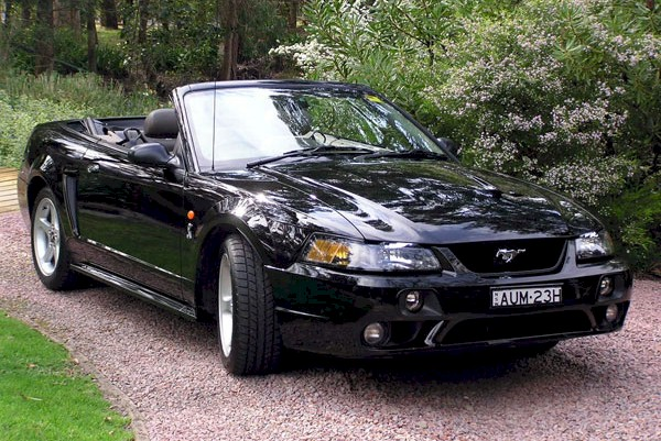 Black 2002 Ford Mustang 