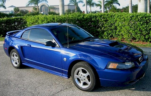 Sonic Blue 2004 Ford Mustang