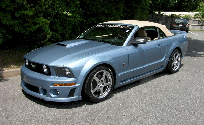 Windveil Blue 2006 Ford Mustang