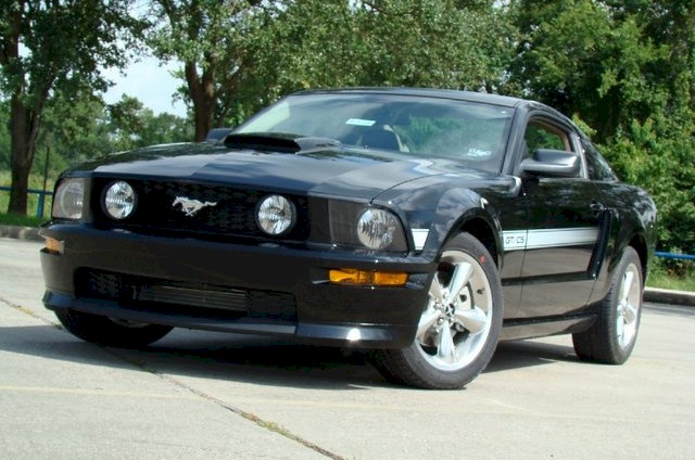 Black 2009 Ford Mustang 