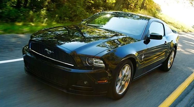 Black 2013 Ford Mustang