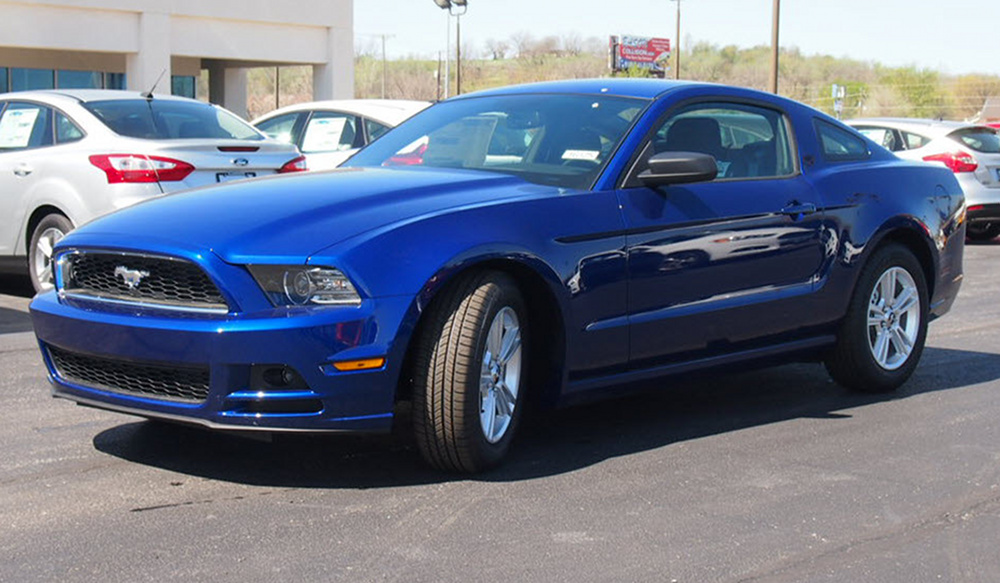 Deep Impact Blue 2014 Ford Mustang