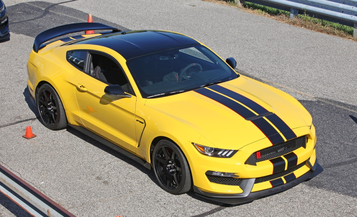 Triple yellow 2016 ford mustang