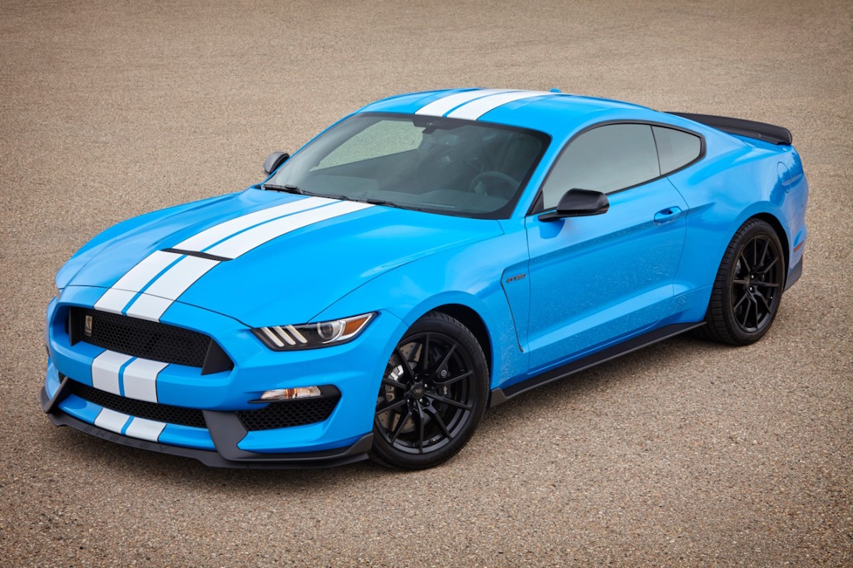 Grabber blue 2017 ford mustang shelby gt350